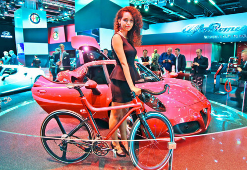Alfa Romeo 4C car and bike